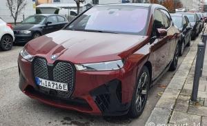 Cazada una unidad de pre-producción del BMW iX Sport 2022 haciendo promoción