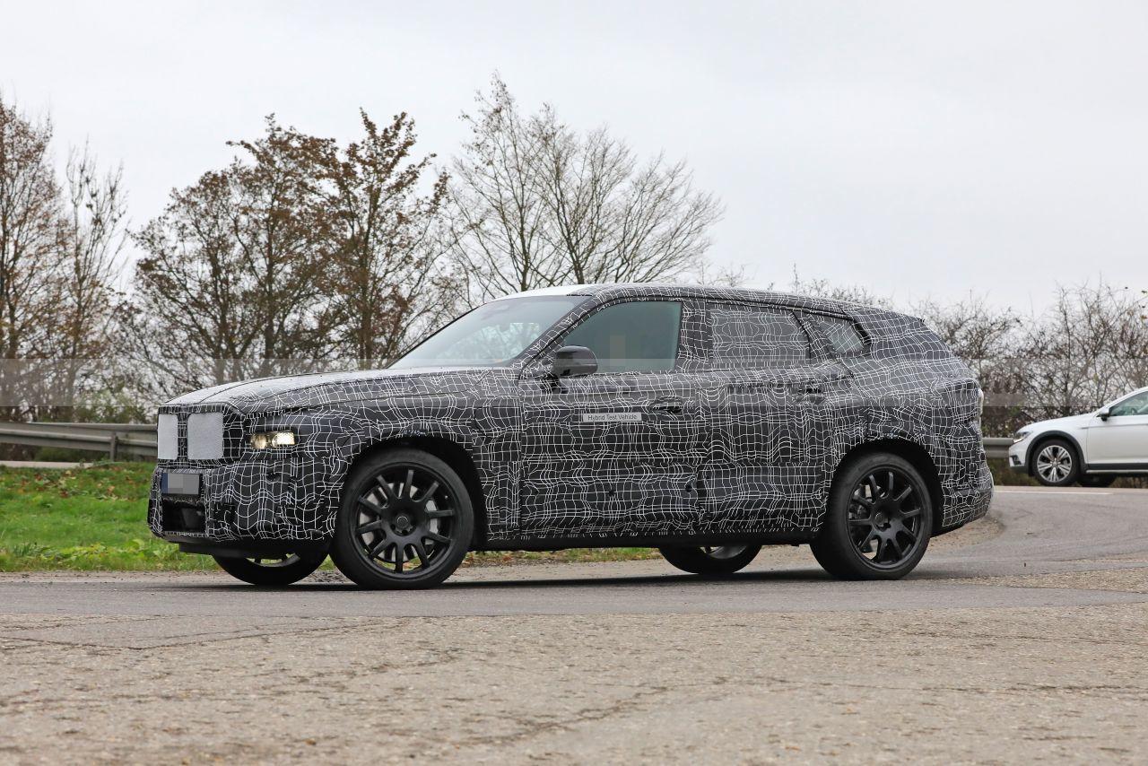Foto espía BMW X8 - exterior