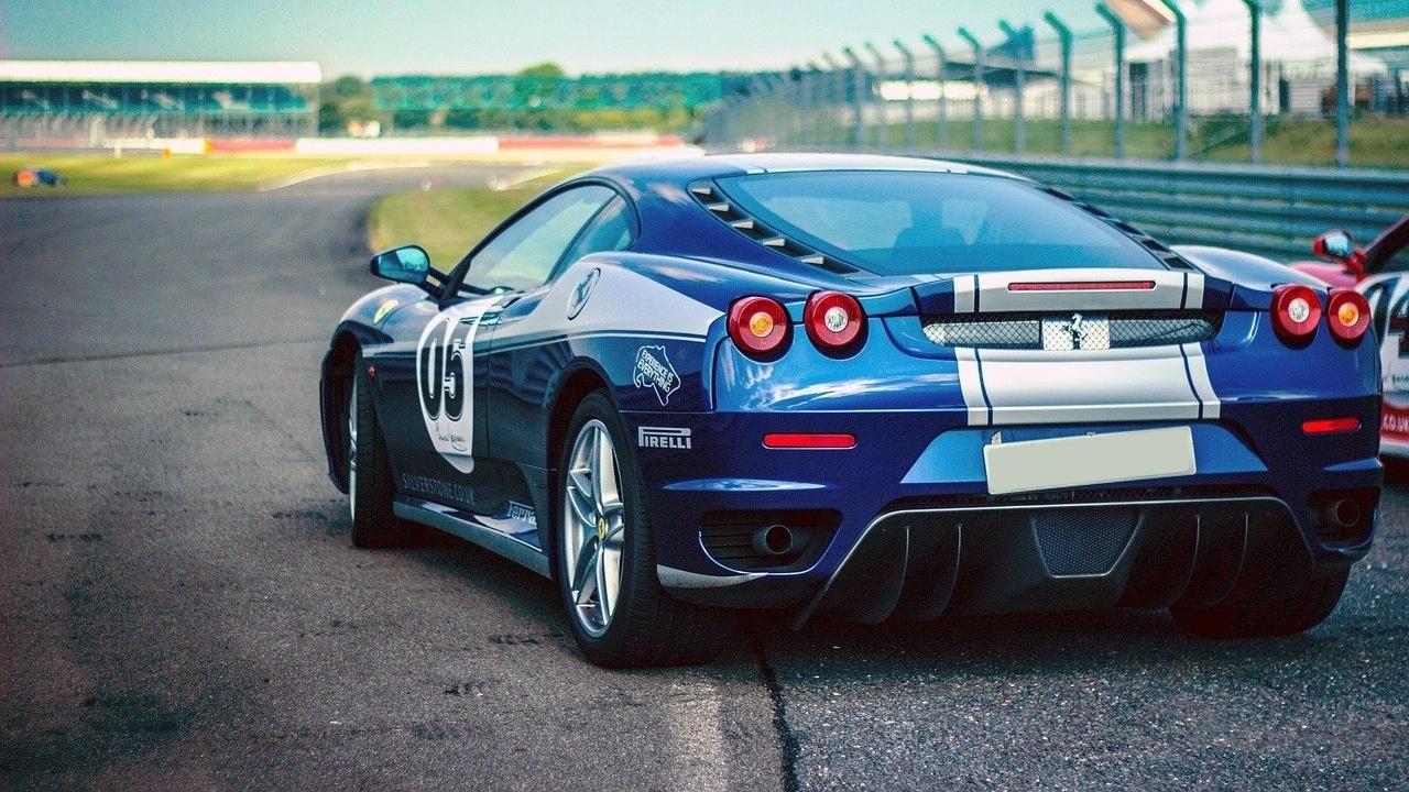 Cursos de conducción deportiva: ¿cómo son y cuánto cuestan?