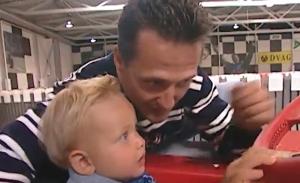 El inédito vídeo de Michael Schumacher y Mick de bebé en un karting hace 20 años