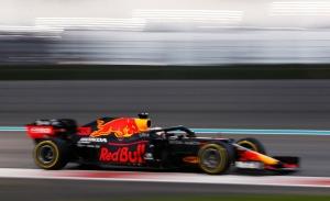 Verstappen rompe los pronósticos con la última pole del año