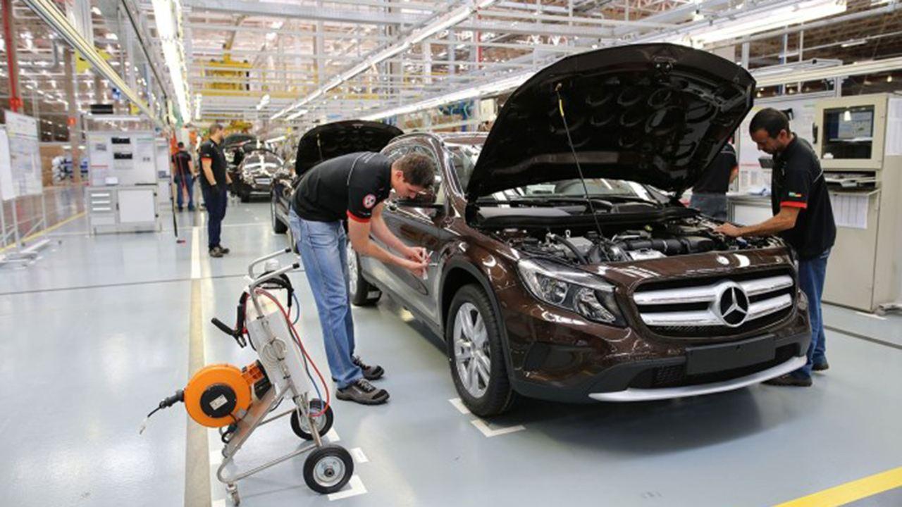Mercedes finaliza la producción de coches en Brasil