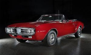 Los dos primeros Pontiac Firebird fabricados vuelven al mercado