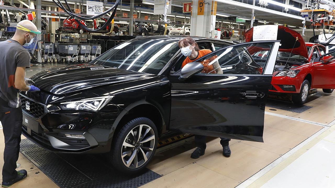 SEAT reducirá la producción de coches por la escasez de componentes