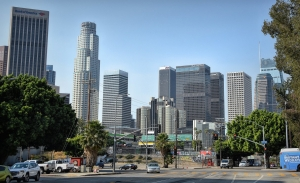 Varios fabricantes retiran su apoyo a Donald Trump contra California