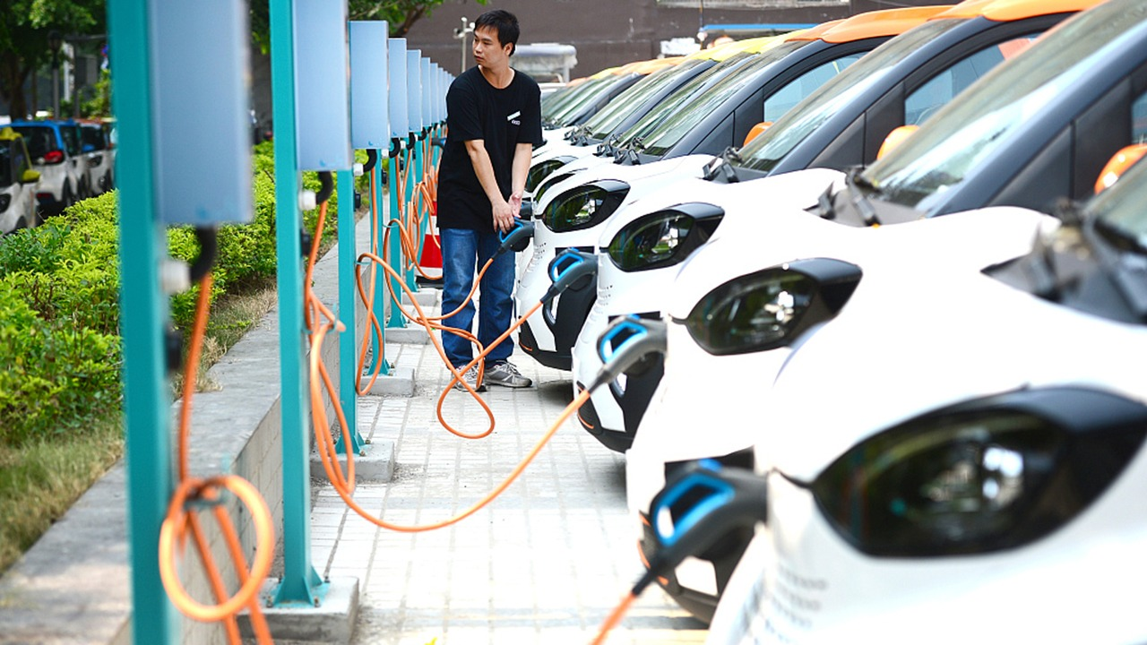 China reducirá los subsidios a coches eléctricos en 2021