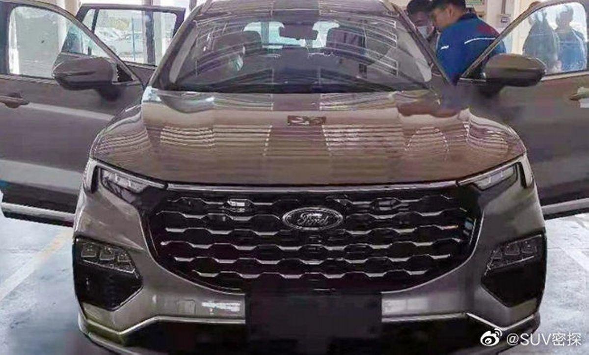 Nuevas fotos espía del Ford Equator 2021 revealan su lujoso y tecnológico interior