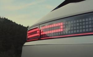 Nuevo adelanto del IONIQ 5, esta vez un teaser de las avanzadas luces traseras