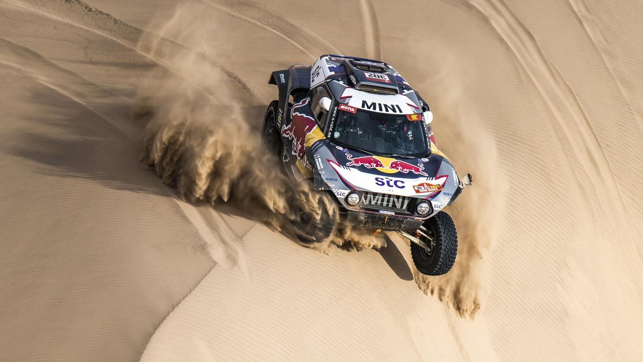 Peterhansel logra su decimocuarto Dakar, Sainz gana la última etapa