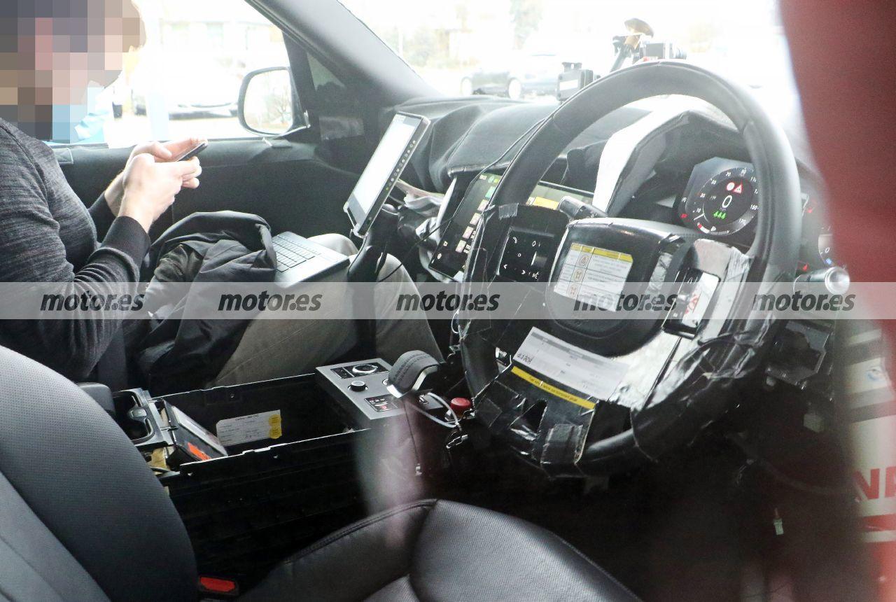 Al descubierto el lujoso interior del nuevo Range Rover 2022 en nuevas fotos espía
