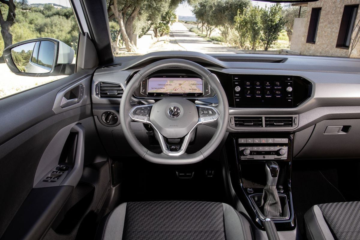 Volkswagen T-Cross R-Line 2021 - interior
