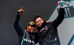 Wolff asume que Hamilton seguirá en Mercedes, pero no a cualquier precio