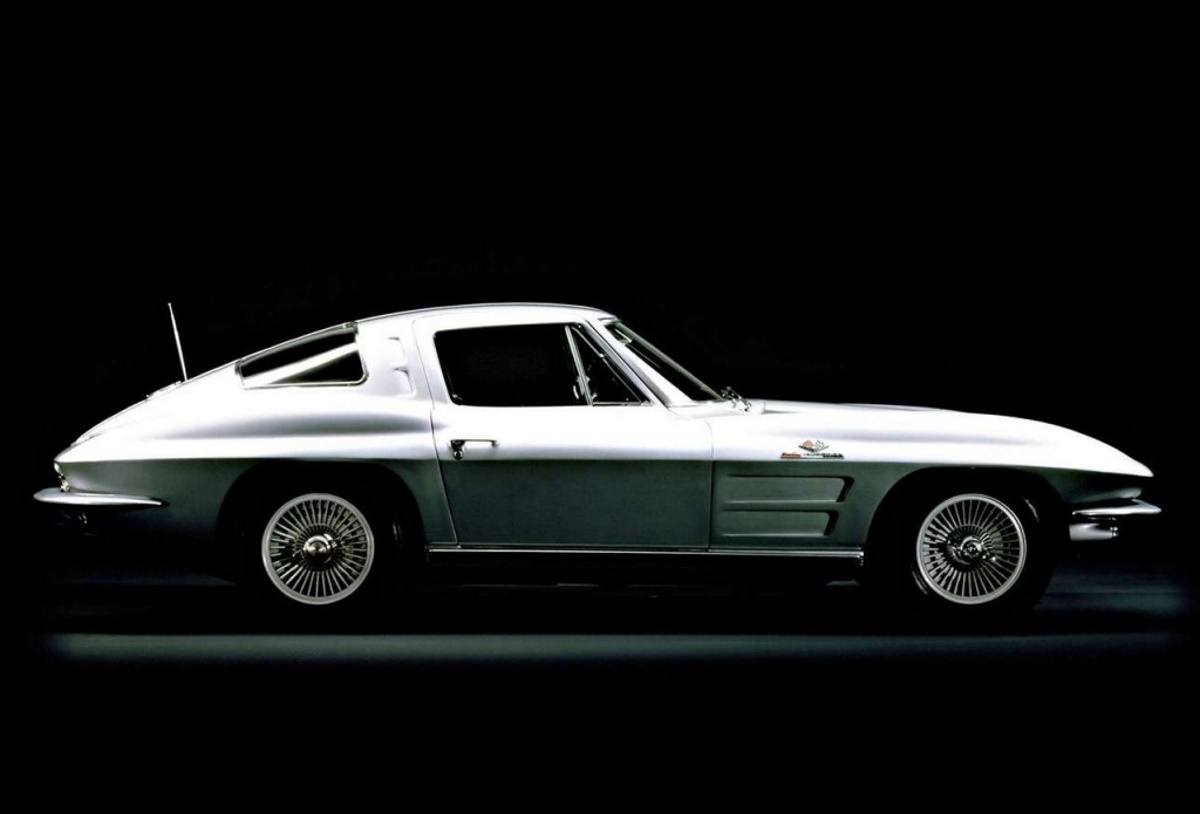 El último proyecto de Ian Callum es un Corvette C2 restomod eléctrico de 2.000 CV