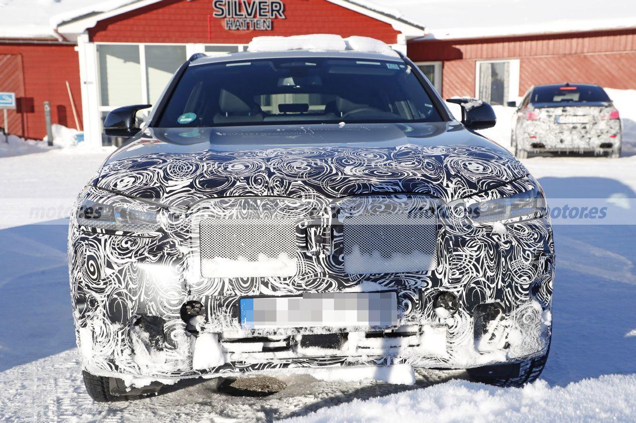 Nuevas fotos del BMW X4 LCI 2022 muestran su interior e interesantes detalles