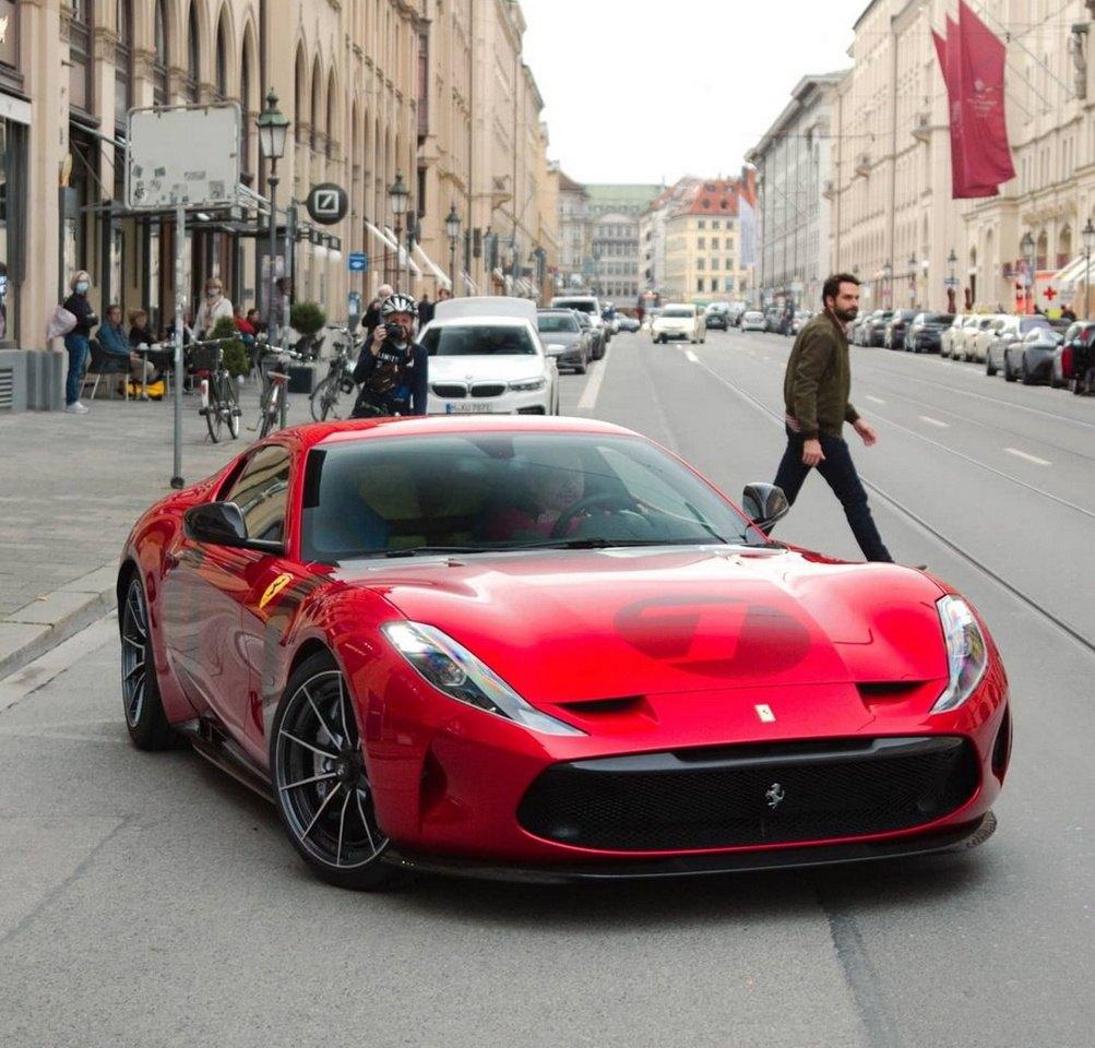 Primeras imágenes del impresionante Ferrari Omologata en la calle