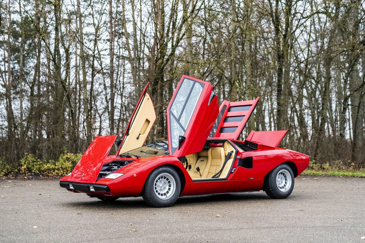 Los Lamborghini Miura SV y Countach LP400 establecen nuevos récords para RM Sotheby's