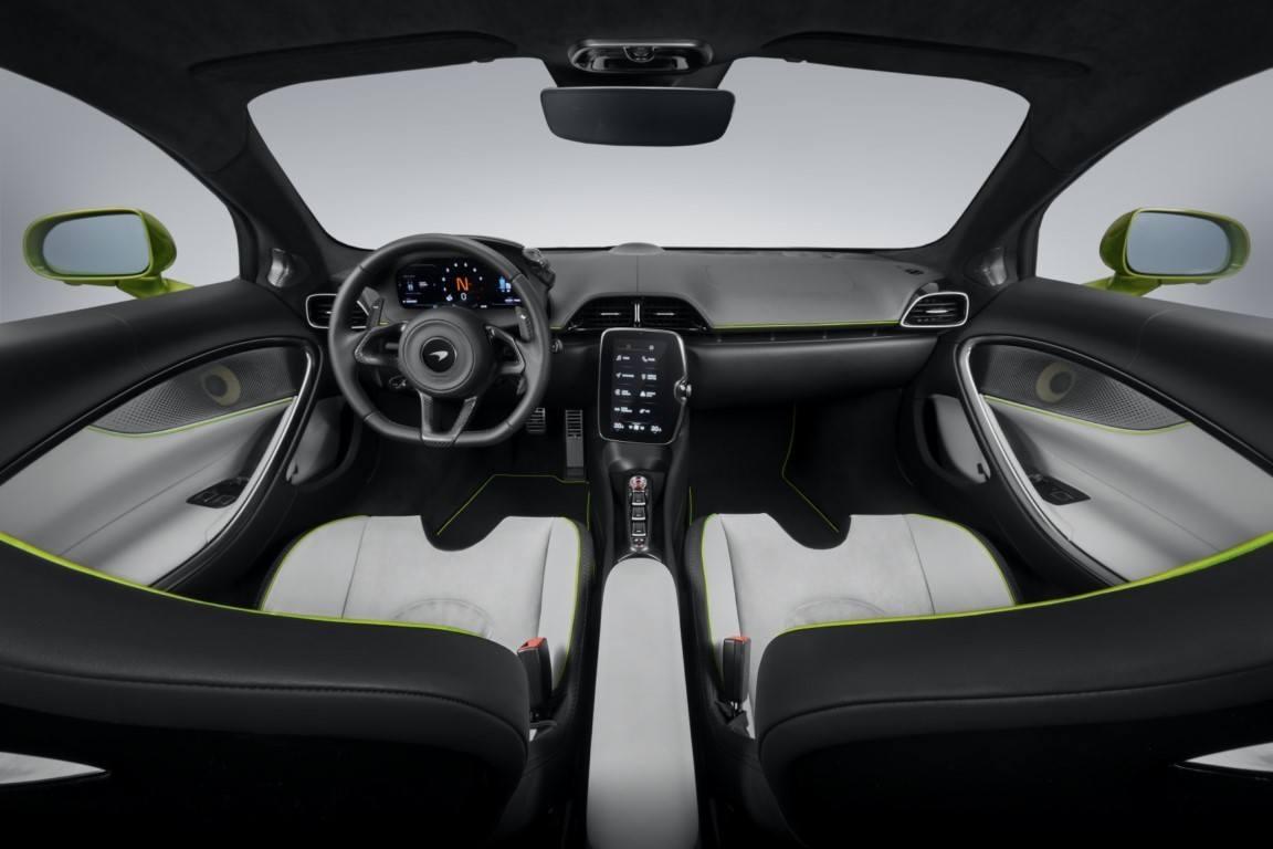 Foto McLaren Artura - interior