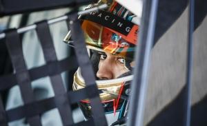 Mikel Azcona: «Podemos luchar por el título del WTCR a final de año»