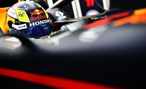 Pérez se estrena sobre un Red Bull en Silverstone antes del shakedown del RB16B