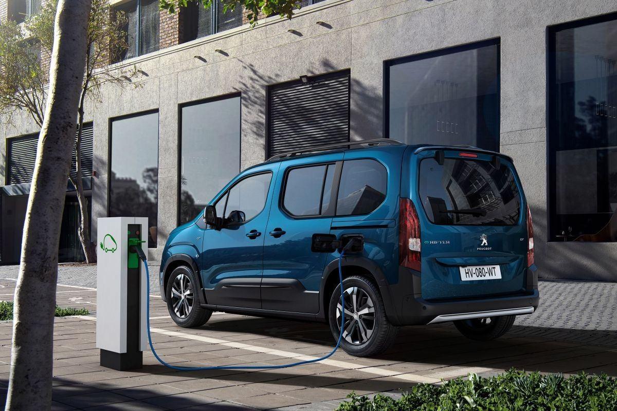 Foto Peugeot e-Rifter - exterior