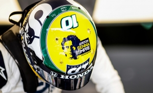 """Pierre Gasly dona su casco de Imola al Instituto Ayrton Senna: """"Feliz de contribuir a esta gran causa"""""""