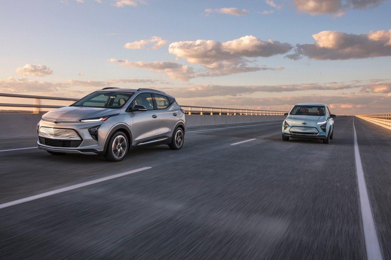 Los nuevos Chevrolet Bolt EV y Bolt EUV 2022 son más baratos que el Bolt actual