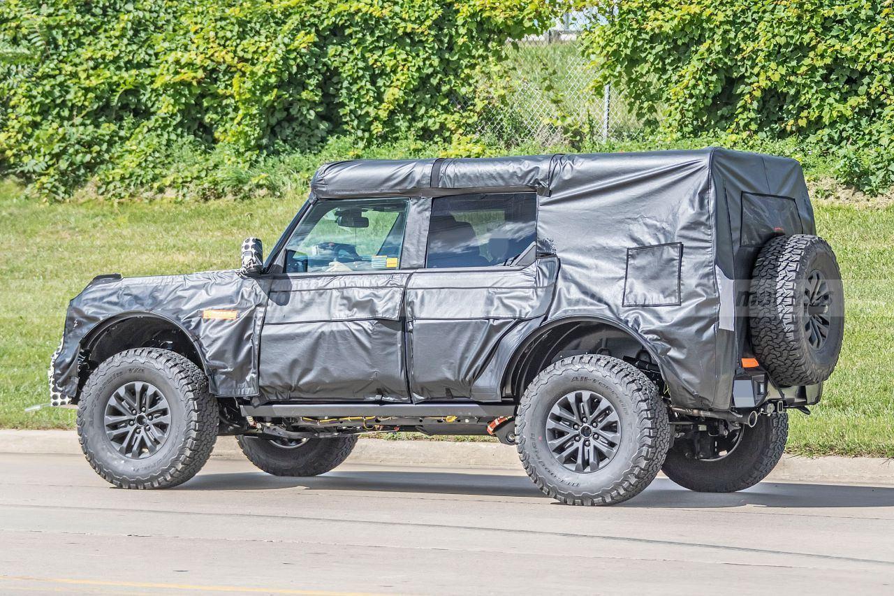 Los prototipos del Ford Bronco Warthog se dejan grabar en vídeo con más detalle