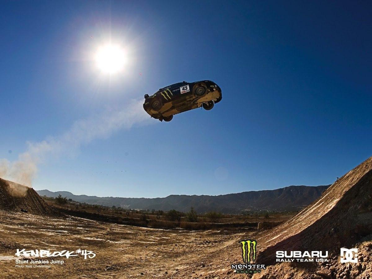Ken Block subasta el Subaru WRX STI volador con el que batió el récord de salto