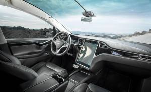 Tesla llama a revisión los Model X y Model S con problemas en sus pantallas táctiles