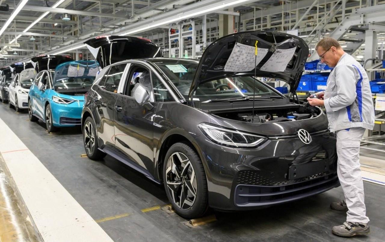 Volkswagen aprieta el acelerador y aumenta a la producción de los ID.3 e ID.4