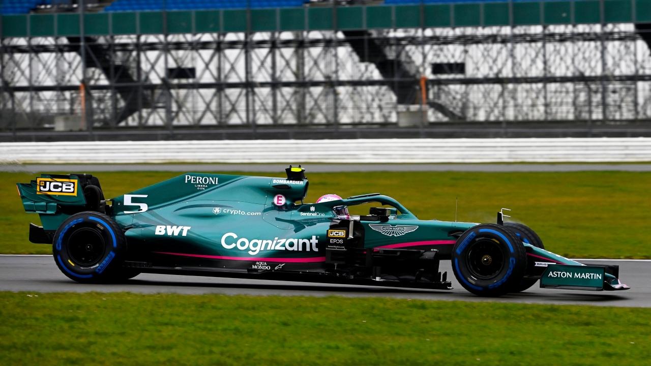 Vettel y Stroll completan el shakedown del Aston Martin AMR21 en Silverstone