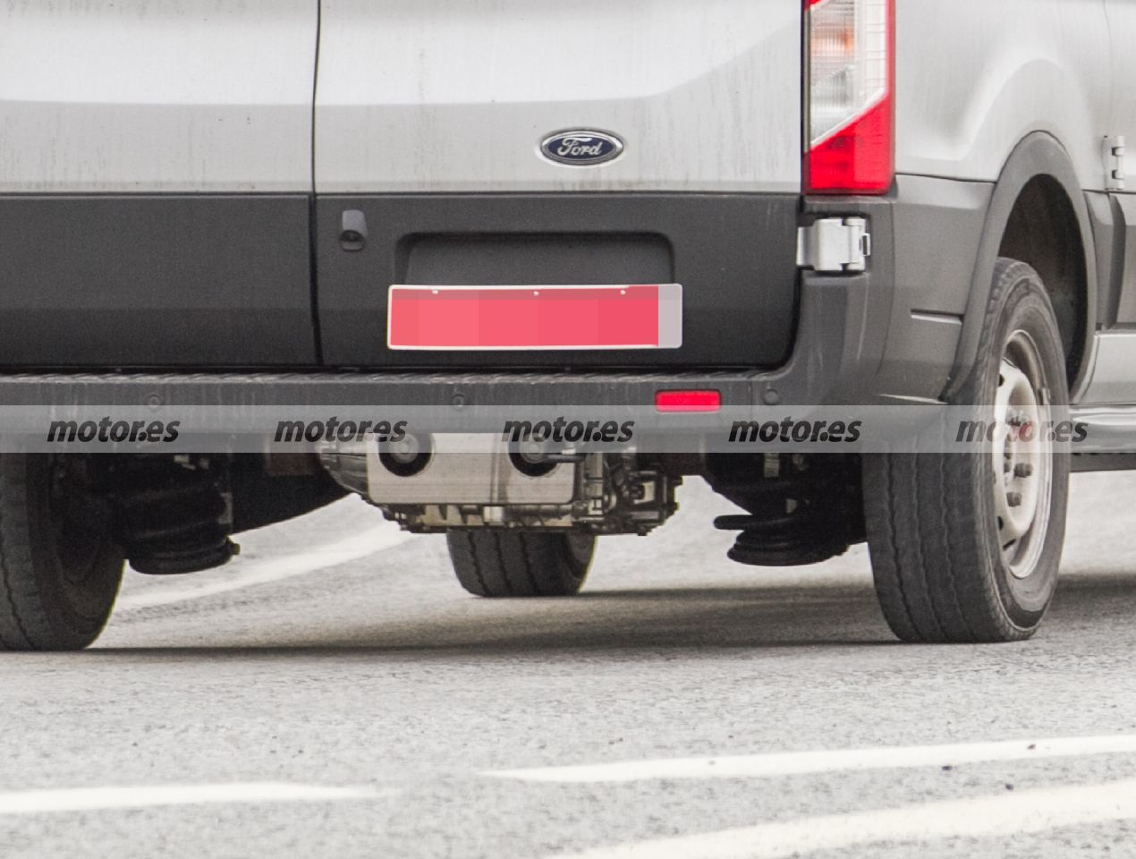 Ford E-Transit Custom 2022 - foto espía
