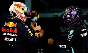 Hamilton 'llora' y Wolff se rinde ante Honda: las claves de la pole de Verstappen