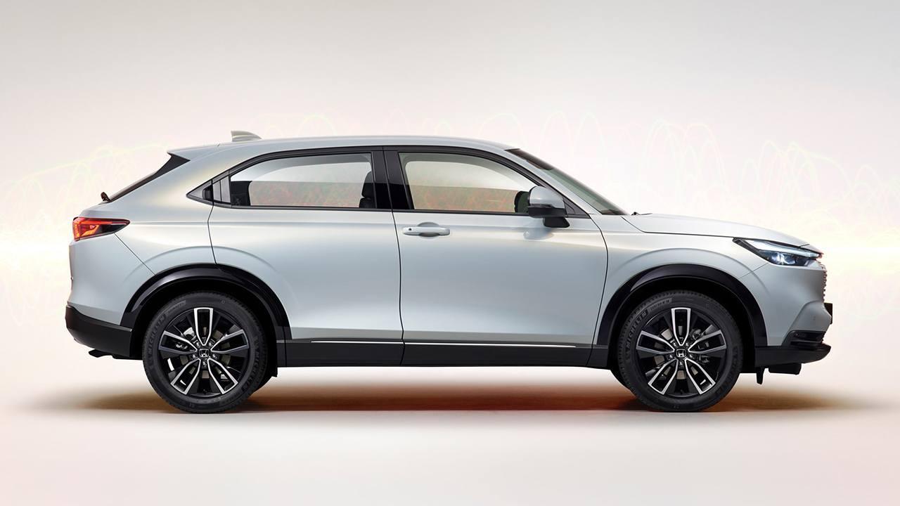 Honda HR-V e:HEV - lateral