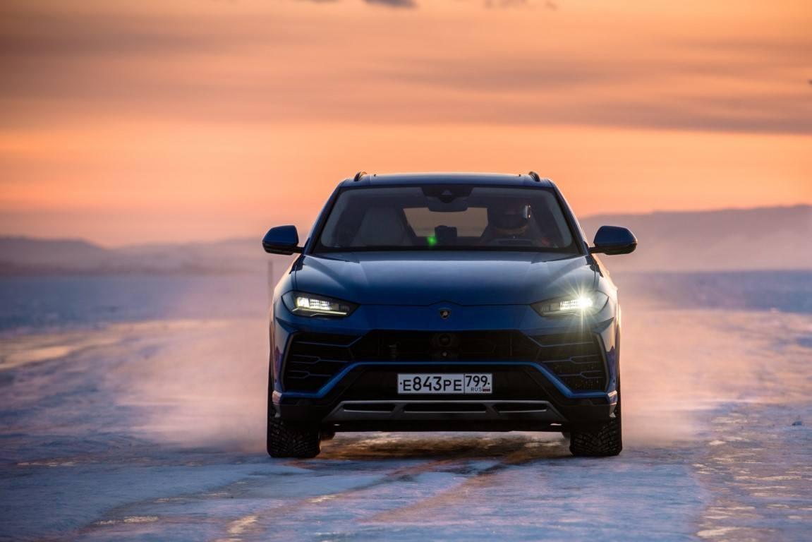 El Lamborghini Urus suma un nuevo récord de velocidad sobre el helado lago Baikal