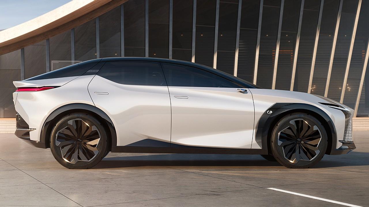 Lexus LF-Z Electrified - lateral