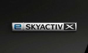 Los Mazda3 y CX-30 2021 estrenan el motor e-Skyactiv X, más potencia y menos emisiones