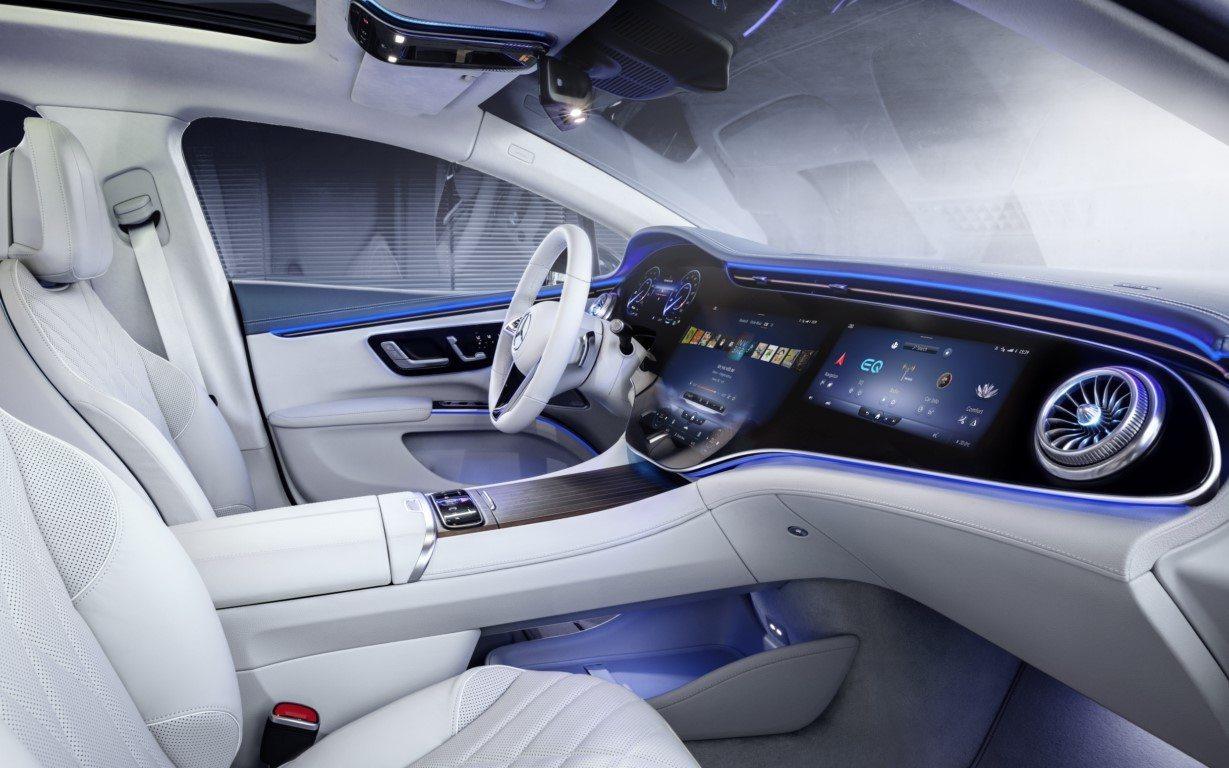 Foto Mercedes MBUX Hyperscreen - interior