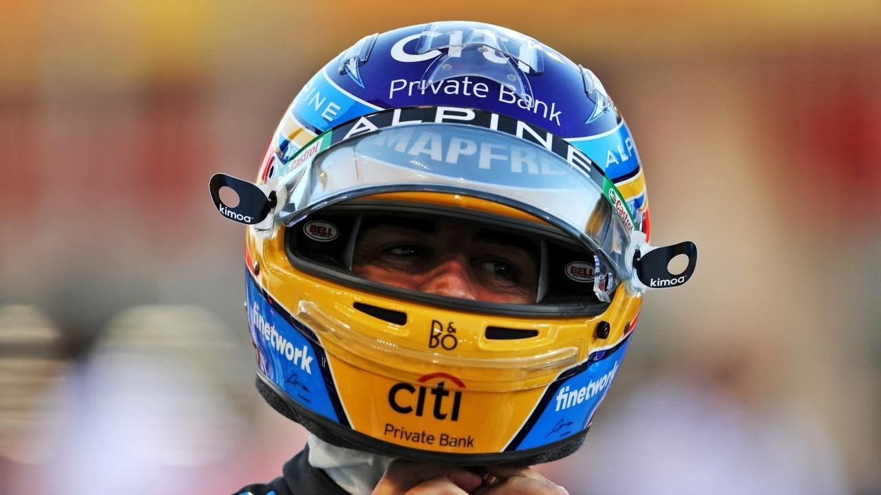 Piensa en Alonso y su abandono en Bahréin la próxima vez que tires un papel al suelo