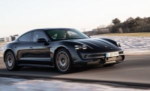 El Porsche Taycan estrena mejoras gracias a una actualización de software