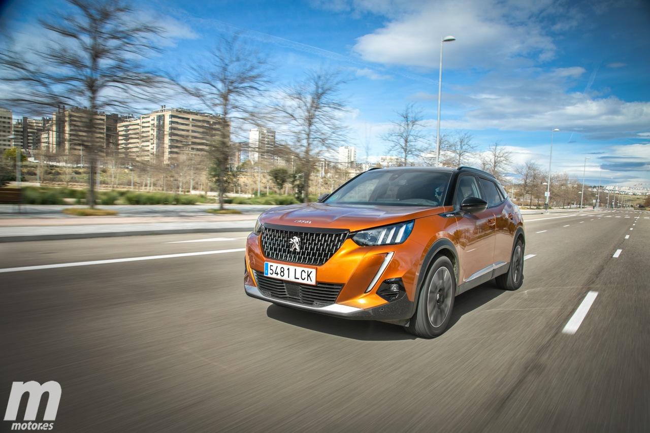 España - Febrero 2021: El Peugeot 2008 se impone en un mercado que naufraga