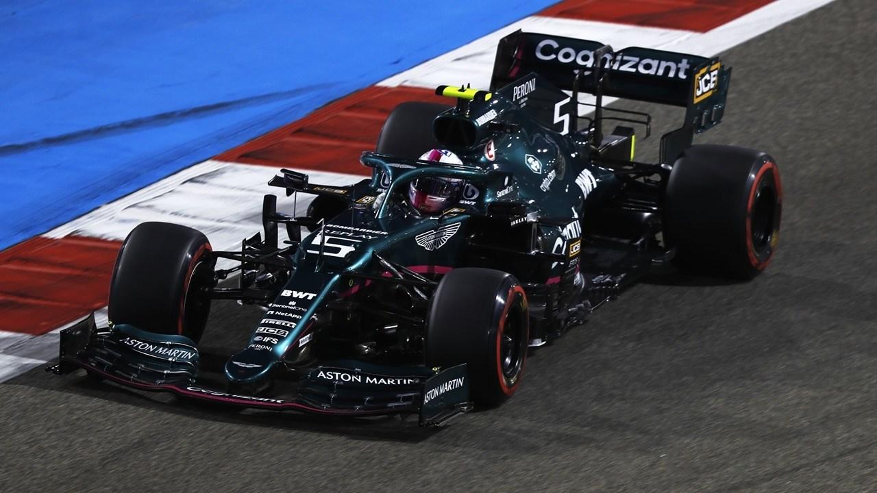 Vettel, sancionado con 5 posiciones por no respetar la doble bandera amarilla
