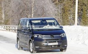 Nuevas fotos espía muestran al Volkswagen Multivan eHybrid en las pruebas de invierno
