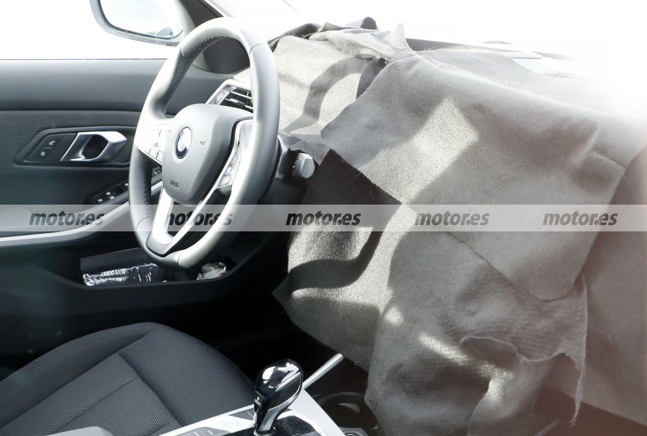 Foto espía BMW Serie 3 Facelift 2023 - interior