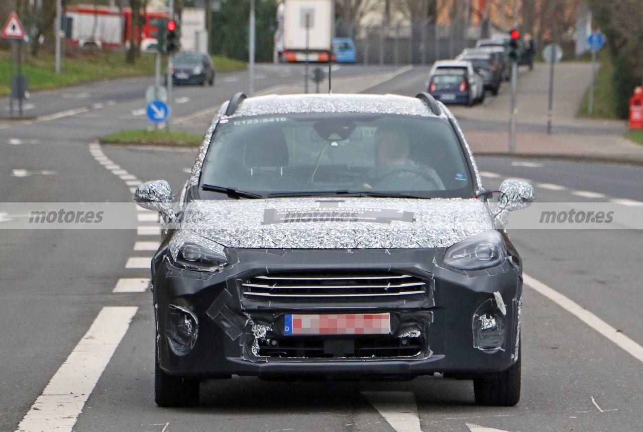 El Ford Fiesta Active Facelift 2022, cazado en nuevas fotos espía cerca de Colonia