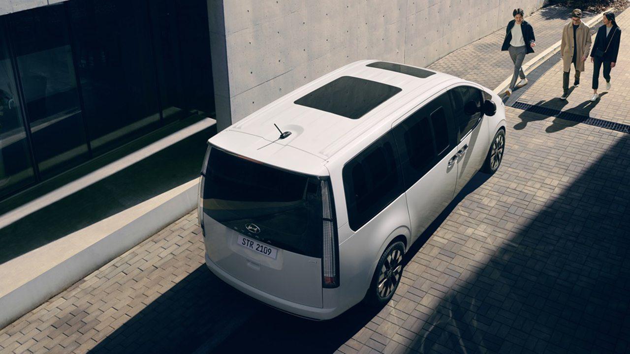 Hyundai Staria 2022 - posterior