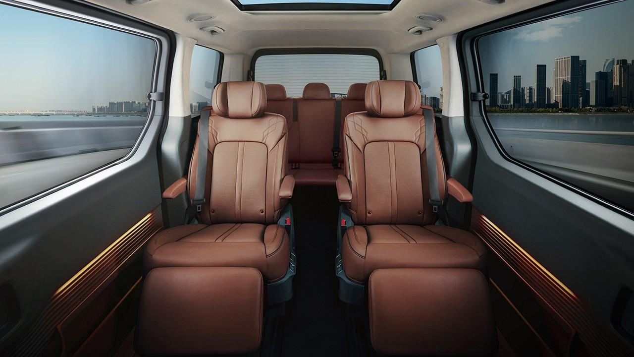 Hyundai Staria 2022 - interior