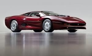 A la venta un impecable Jaguar XJ220 que aún sigue a estrenar