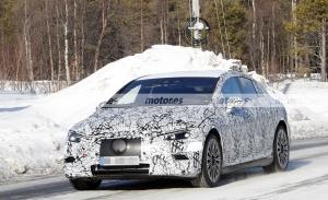 Nuevas fotos espía del Mercedes EQE 2022 en Suecia, el rival del BMW i4