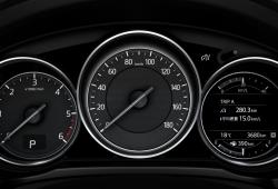 Limitar los coches a 180 km/h de fábrica tiene cada vez más sentido